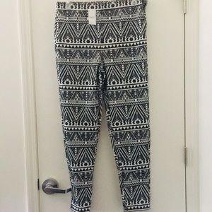 Black & white tribal print pants
